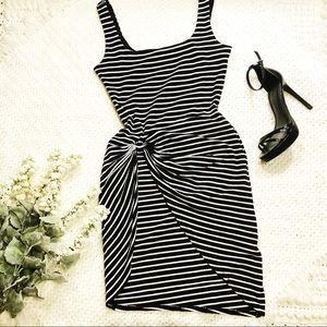 🚨FRIDAY SALE 25% OFF Guess Asymmetrical Dress sm